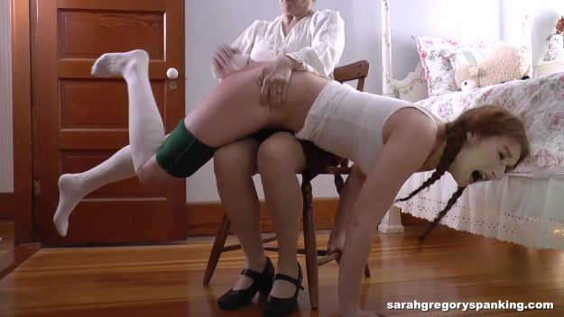 mommy_spanks_bianca_00068